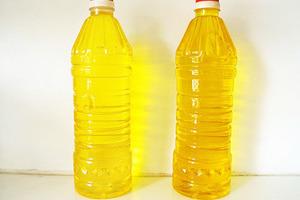 Cách đơn giản phân biệt dầu ăn thật và dầu ăn giả!