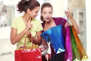 Cách chọn quần áo có màu sắc phù hợp với vóc dáng của bạn