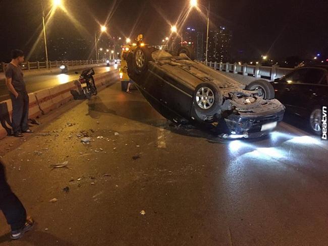 ô tô mất lái gây tai nạn liên hoàn ở Hà Nội 6