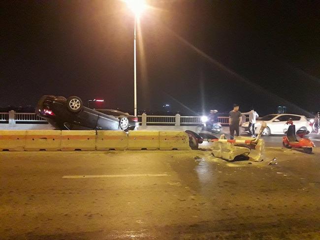 ô tô mất lái gây tai nạn liên hoàn ở Hà Nội 7