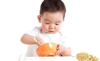 6 thực phẩm mẹ nhất định phải cho trẻ dưới 1 tuổi ăn để thông minh và ít ốm