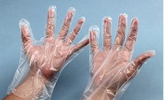Dừng ngay việc dùng bao tay nilon vì nguy cơ thoái hóa thần kinh, dị tật bẩm sinh