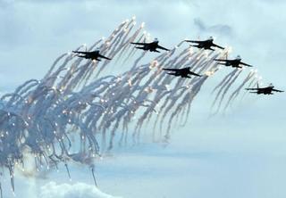 Vì đâu Tổng thống Putin bỗng đặt không quân Nga vào trạng thái căng như dây đàn?