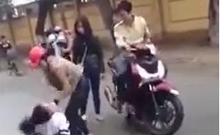 Nữ sinh Hà Tĩnh bị hành hung: Công an triệu tập 2 đối tượng đánh người