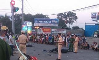Ô tô khách tông hàng loạt xe dừng đèn đỏ, 2 bé gái tử vong tại chỗ