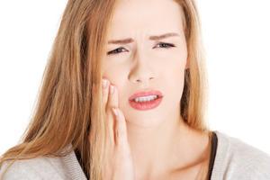 Một số lưu ý về những người bị sâu răng mà bạn cần biết