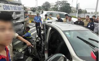 Va chạm với xe đầu kéo, 2 phụ nữ thương vong trên đường ra sân bay