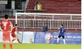 Video thủ môn Long An cố tình quay lưng khi đội bạn đá phạt đền ở V League 2017