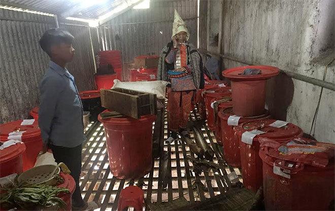 vụ 8 người chết do ngộ độc rượu ở Lai Châu 2