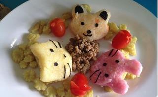 Mách mẹ thông minh cách trang trí món ăn siêu đẹp, bé biếng ăn đến mấy cũng thèm