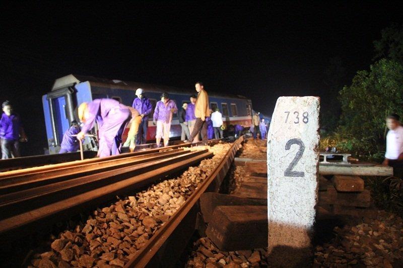 tai nạn lật tàu SE2 ở Huế 6