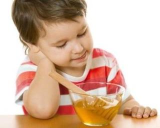 Bác sĩ nói gì về việc cho trẻ biếng ăn uống B1 ngậm mật ong đang được hàng nghìn mẹ chia sẻ
