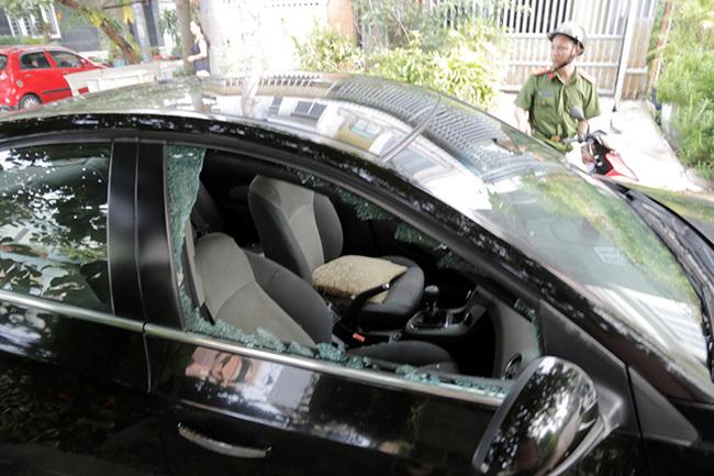 Đã có nhiều vụ kẻ gian đập vỡ kính ô tô trộm tài sản ở Bình Dương