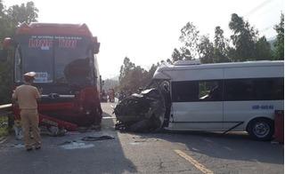 2 xe khách đối đầu, thi thể tài xế mắc kẹt trong cabin