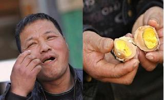 Khám phá mùi vị và công dụng của món trứng luộc bằng nước tiểu bé trai