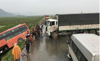 Hàng loạt tai nạn liên hoàn trong ngày cuối cùng của tháng Giêng