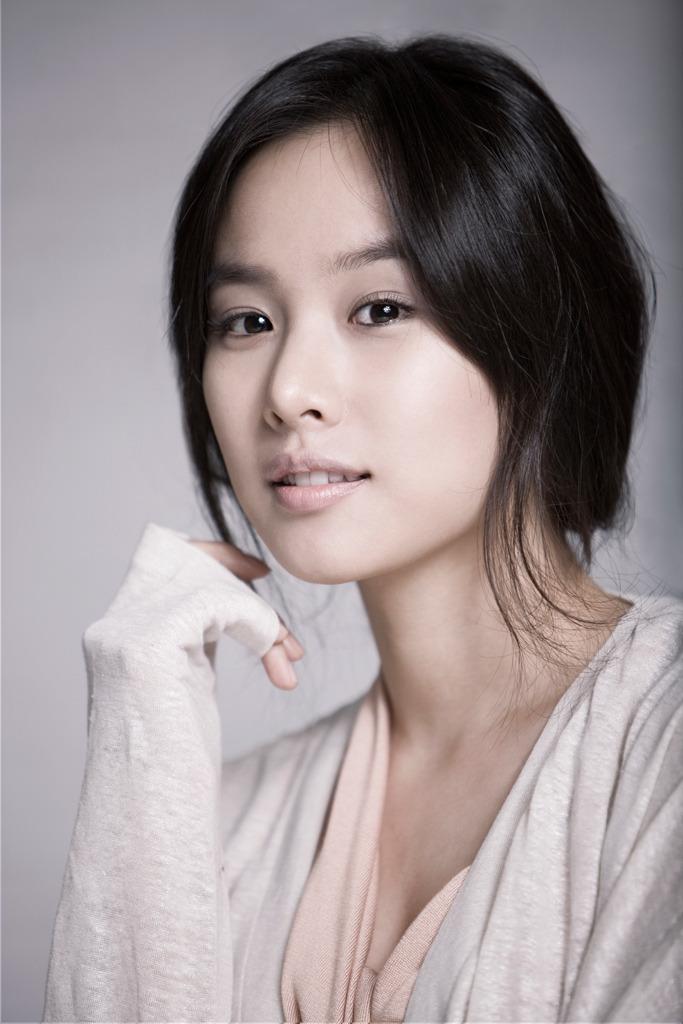 Jo Yoon Hee và Lee Dong Gun 9