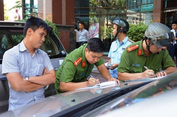 Hoa hậu Thu Hoài bị ông Đoàn Ngọc Hải xử phạt 12