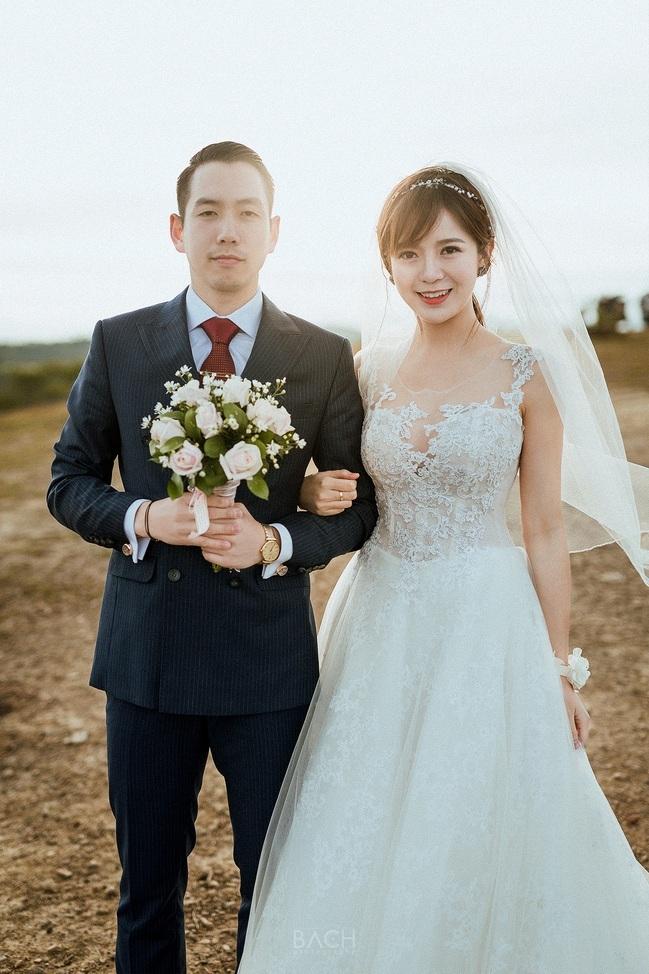 Hot girl Tú Linh MU lấy chồng 4