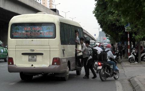 Hà Nội quyết tâm xử lý nạn xe dù, bến cóc 1