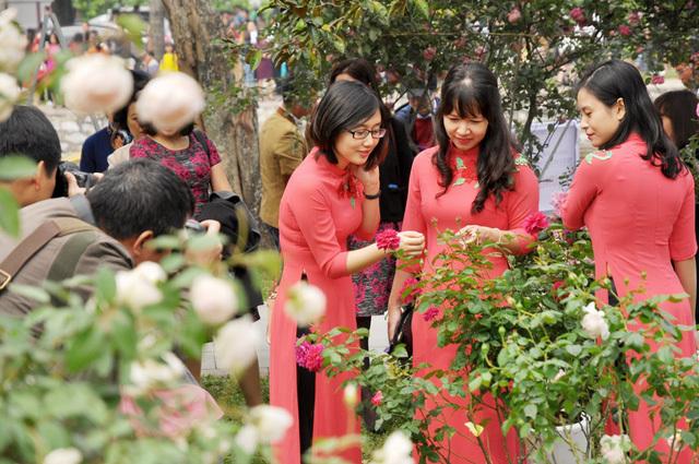Lễ hội hoa hồng Bulgaria 8