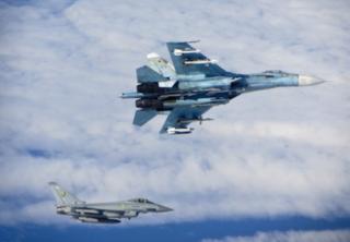 Chạm trán trên không giữa Nga và NATO là do Moscow thiếu chuyên nghiệp?