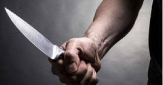 Mâu thuẫn trên Facebook, nam sinh bị đâm nhiều nhát