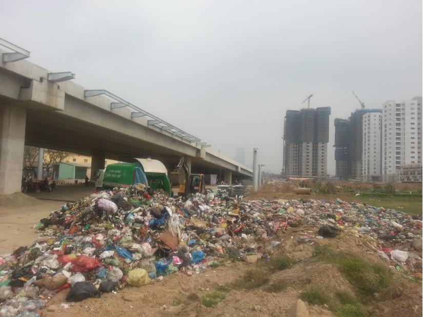 rác thải bị đổ trộm