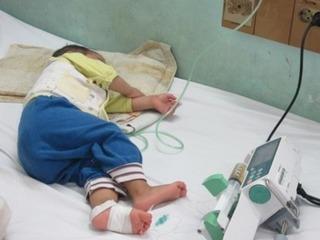 Hà Nội: Nhiều em bé bị ho gà, biến chứng nặng