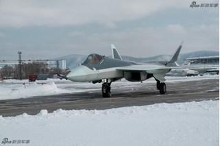 Siêu tiêm kích tàng hình Sukhoi T-50 có gì khiến đối thủ của Nga run lẩy bẩy?