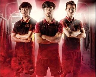 Công Phượng cực ngầu với áo đấu mới của tuyển Việt Nam, HAGL nhận tài trợ 50 tỷ