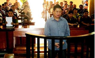 Trung tá Campuchia nã súng quân dụng bắn chết chủ tiệm vàng thoát án tử