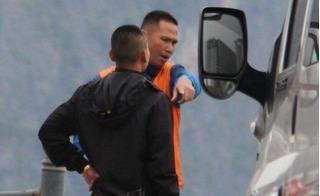 Đang tác nghiệp, phóng viên VietNamNet bị túm cổ áo hành hung giữa bến phà