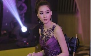 Lộ clip hoa hậu Đặng Thu Thảo nói tiếng Anh ấp úng trong sự kiện