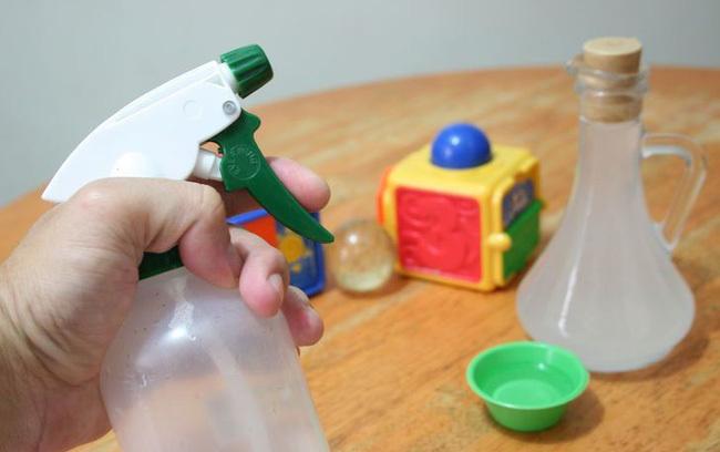 cách làm vệ sinh đồ chơi1