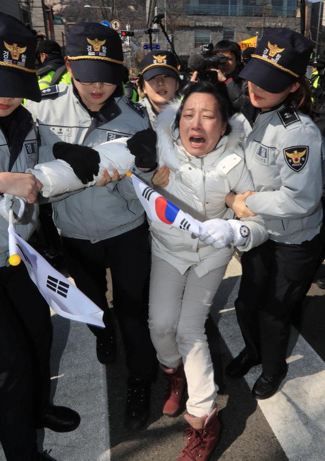 Tổng thống Hàn Quốc Park Geun Hye bị phế truất 11