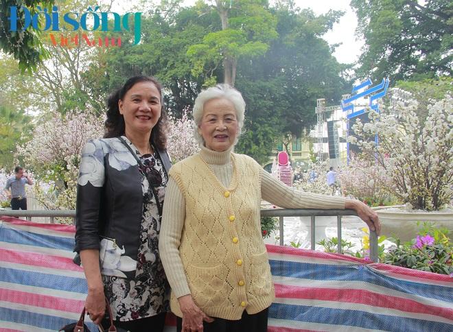 Lễ hội hoa anh đào Hà Nội 18