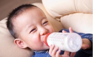 10 loại sữa giúp tăng cân tốt nhất cho trẻ giai đoạn 0-3 tuổi được các bà mẹ ưa chuộng