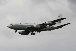 Vì đâu Nga đồng ý cho máy bay do thám Mỹ sải cánh trên không phận?
