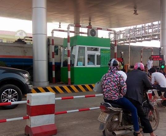 phản đối thu phí tại BOT Tam Nông