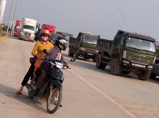 phản đối thu phí tại trạm thu phí Tam Nông
