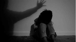 Đứt từng khúc ruột khi đọc lại 3 vụ án xâm hại tình dục trẻ em chấn động thế giới