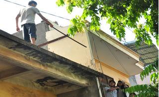 Bắc Giang: 4 tiếng mướt mồ hôi tìm cách cứu mạng thanh niên ngáo đá trèo lan can