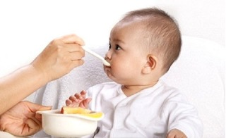 Mách mẹ thực đơn ăn dặm cho trẻ 9 tháng tuổi giúp con đạt chuẩn cân nặng, chiều cao