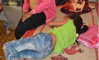 """Lại thêm một vụ xâm hại tình dục trẻ em: Bé gái 4 tuổi bị ông hàng xóm """"tiểu"""" vào quần?"""