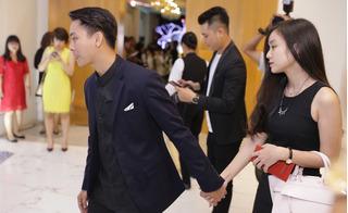 Hoài Lâm nắm chặt tay bạn gái, lần đầu xuất hiện trong sự kiện
