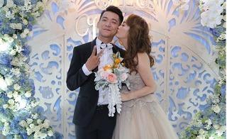 Vợ chồng Mai Quốc Việt say trong men tình tại đám cưới xa hoa