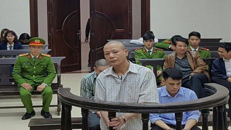 Bị cáo Nguyễn Văn Kỳ tại phiên tòa phúc thẩm vụ thảm án ở Thạch Thất