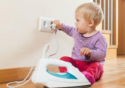 phòng tránh điện giật cho bé2