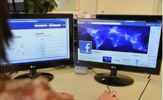 Vì sao hàng loạt fanpage Facebook lớn tại Việt Nam bất ngờ bị